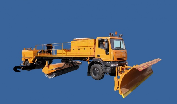 Self-Propelled Snow Sweeper F2000 Maxi
